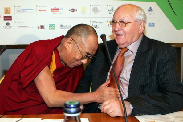 http://ramta-ezoterika.ru/wp-content/uploads/2019/11/dalai-lama-gorbachev.jpg
